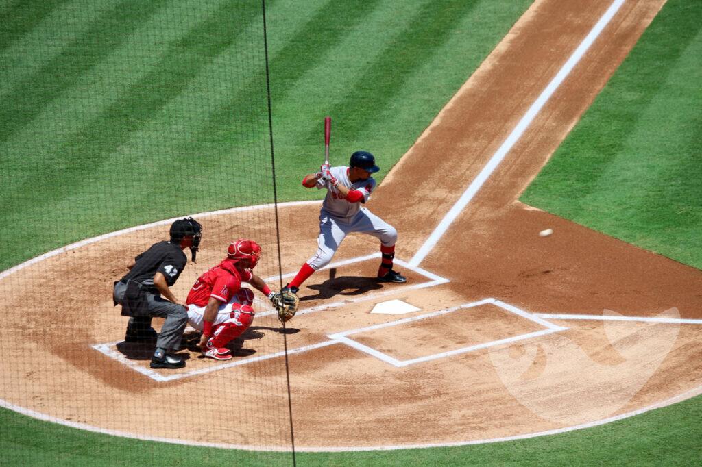 Baseball Schlagmann der Red Sox, Angel Stadium in Anaheim