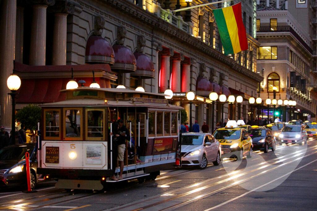 Cable Car in San Francisco, Nachtaufnahme am Union Square