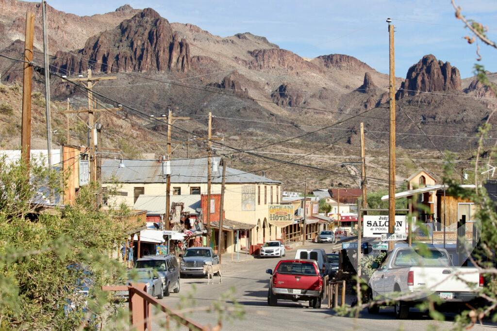 Die Hauptstraße von Oatman, Arizona