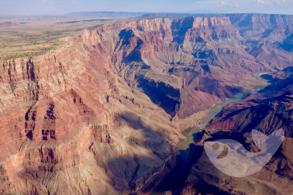 Grand Canyon aus der Vogelperspektive mit Blick auf den Colorado River