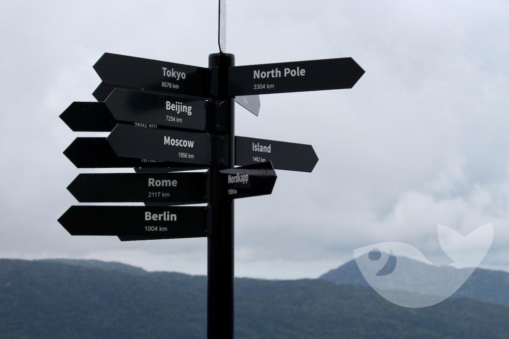 North Pole 3304 km