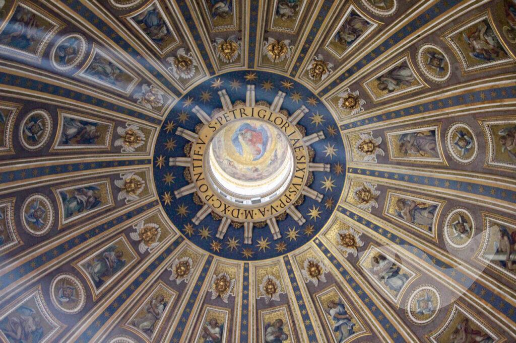 Blick in das Innere der Hauptkuppel, Petersdom in Rom