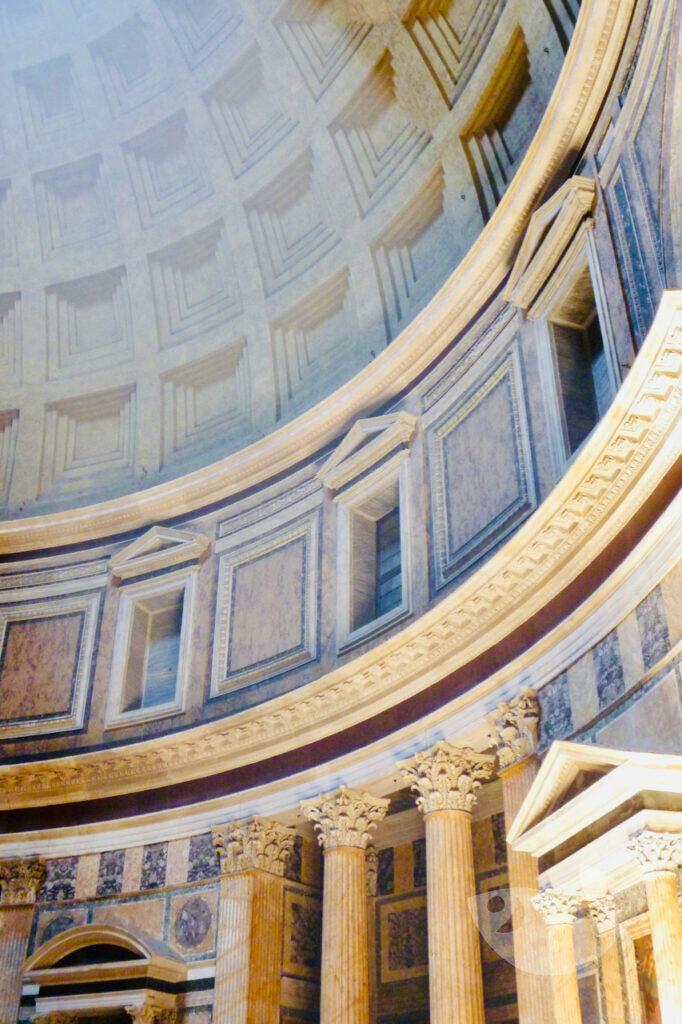 Innenraum des Pantheon, Rom