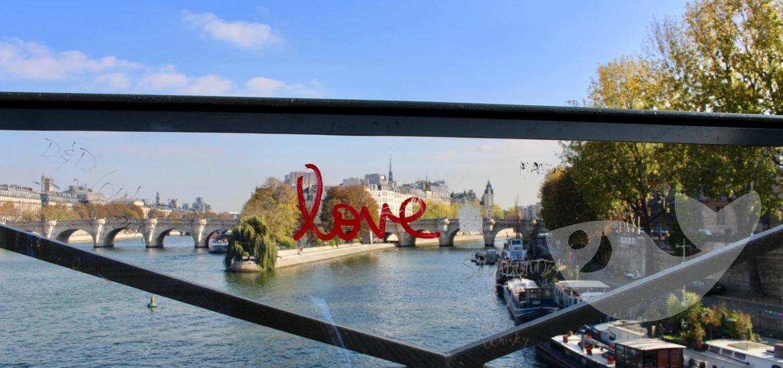 Blick von der Pont des Arts auf die Insel Saint Louis und Cité über das Seineufer