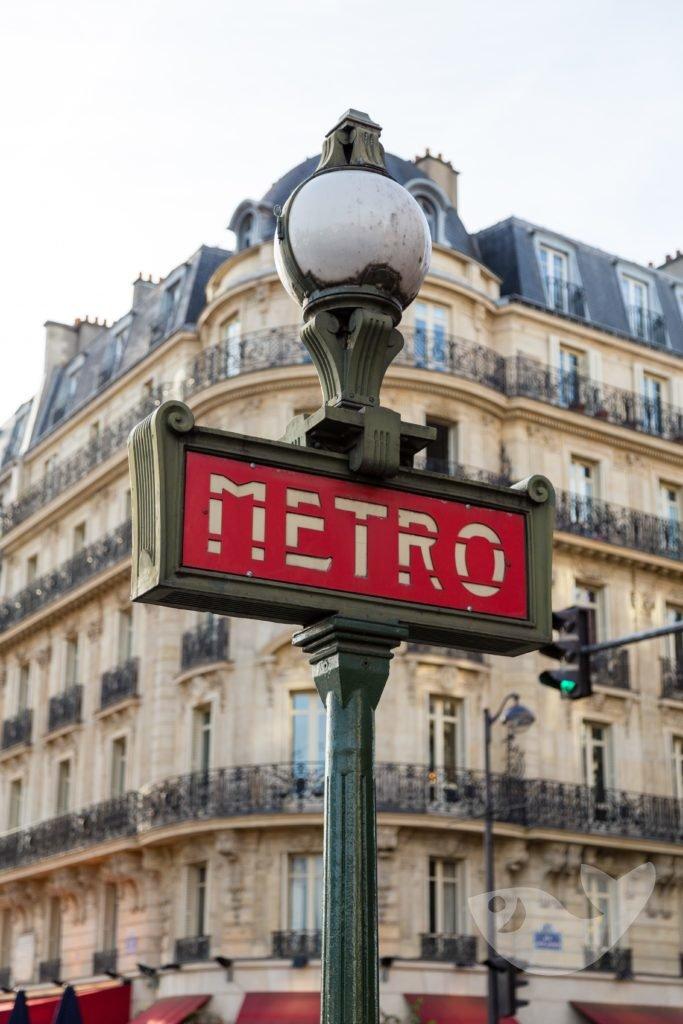 Métro-Schild am Place de la Bastille